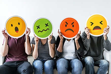 Minimize the Damage from Negative Feedback on Social Media